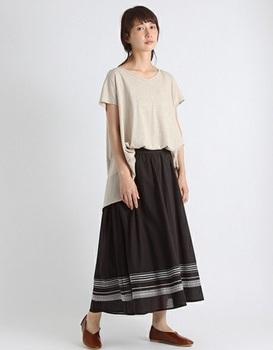 刺繍スカート3.jpg