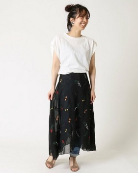 刺繍スカート5.jpg